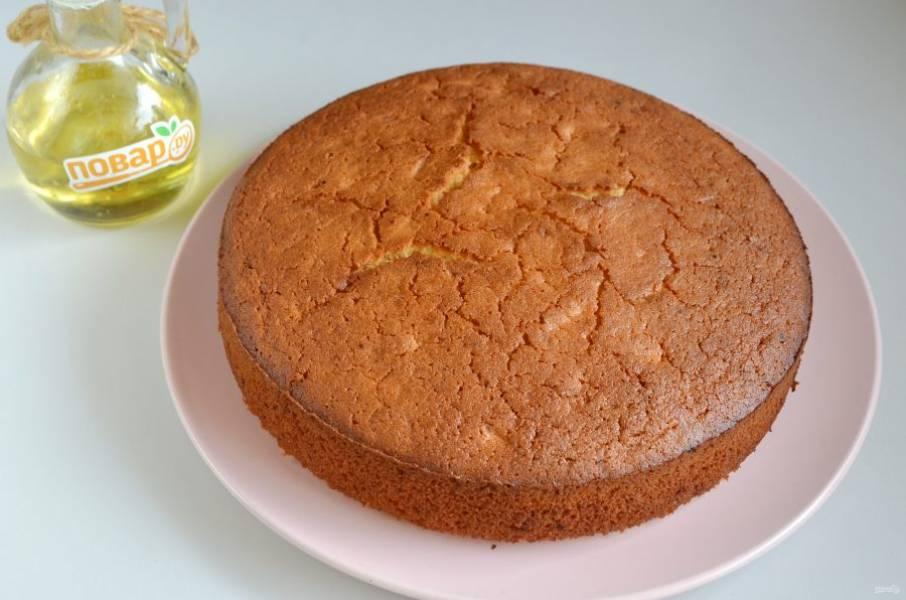8. Украсьте манник по своему усмотрению, это может быть сахарная пудра, белый шоколад или глазурь, фрукты.