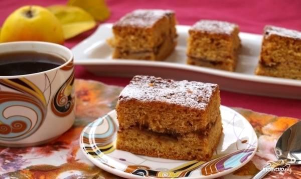 Готовое изделие присыпьте сахарной пудрой. Приятного чаепития!