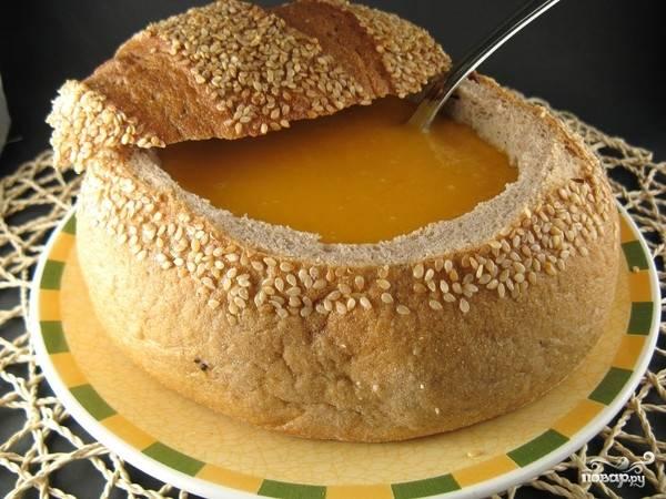 Куриный суп в хлебе