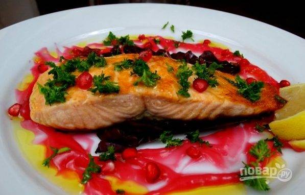 Рыба под соусом на сковороде