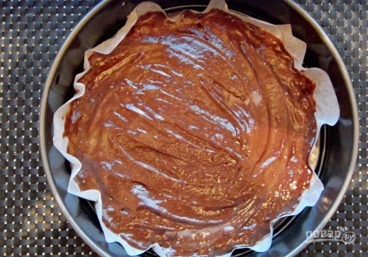 Поливаем верхушку торта шоколадной глазурью. Отправляем торт в холодильник еще на 5 часов.