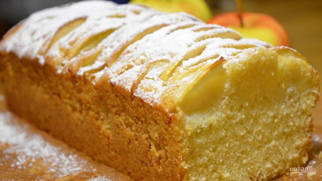 Ванильный кекс с яблоками
