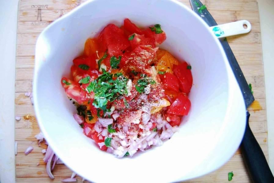 Заправьте овощи оливковым маслом, соль, перцем и дайте чуточку настояться.