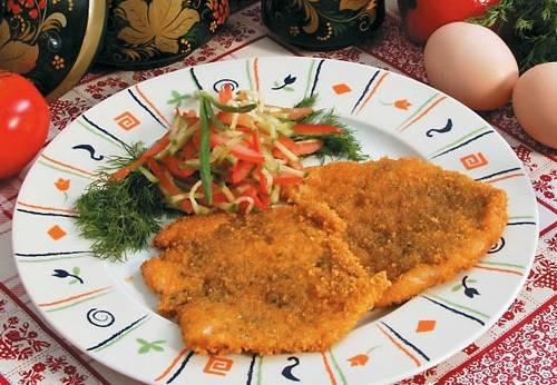 4. К отбивным можно приготовить гарнир: макаронные изделия, картофельное пюре, кашу или свежие овощи.