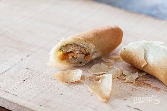 16. Мясо в рисовой бумаге можно подавать к столу. Приятного аппетита!