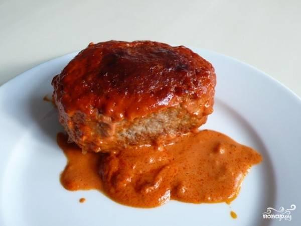 9. Вот такими аппетитными они получаются после запекания. Напоминают обычные тефтели в томатном соусе, а по вкусу - голубцы. Приятного аппетита!