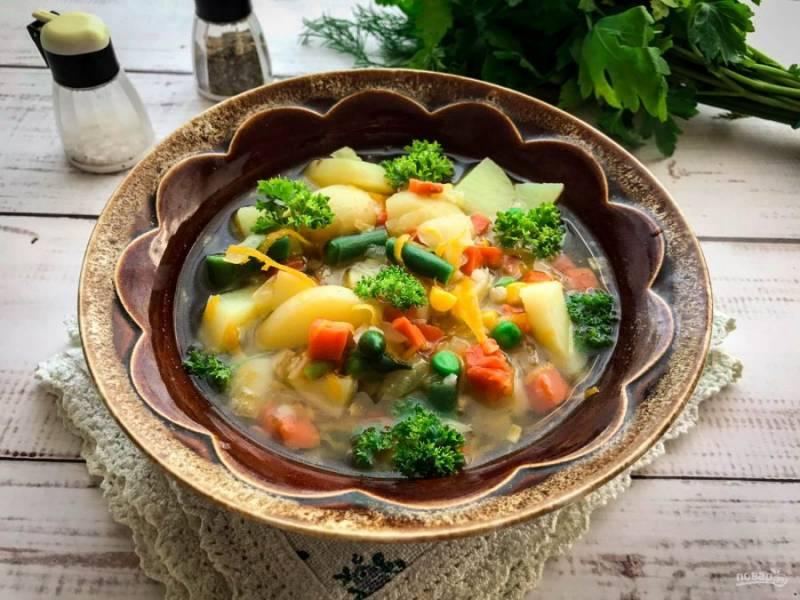 Суп с мексиканской смесью готов. Приятного аппетита!