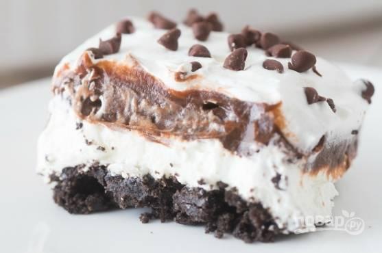 9. Оставьте шоколадную лазанью в холодильнике минимум на 4 часа. А потом наслаждайтесь!