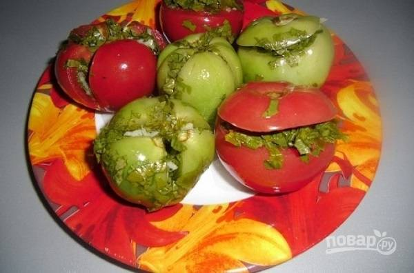 Малосольные помидоры по-армянски с чесноком