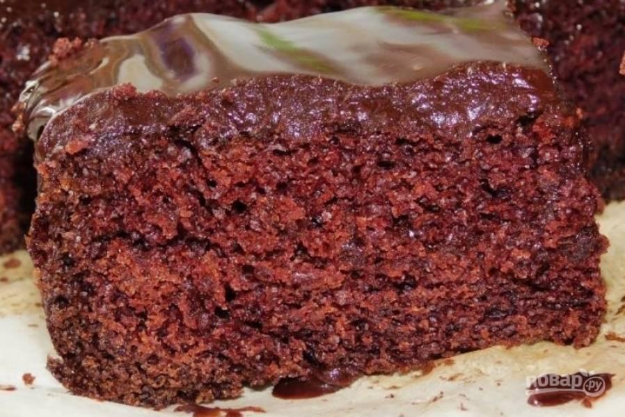 Поставьте пирог в холодильник на 30 минут. Нарежьте на кусочки и угощайтесь. Приятного  чаепития!