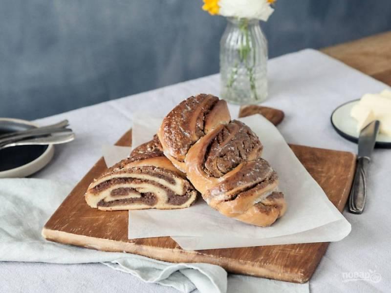 8. Подавайте немецкий хлеб в тёплом или холодном виде, порезав на кусочки. Приятного чаепития!