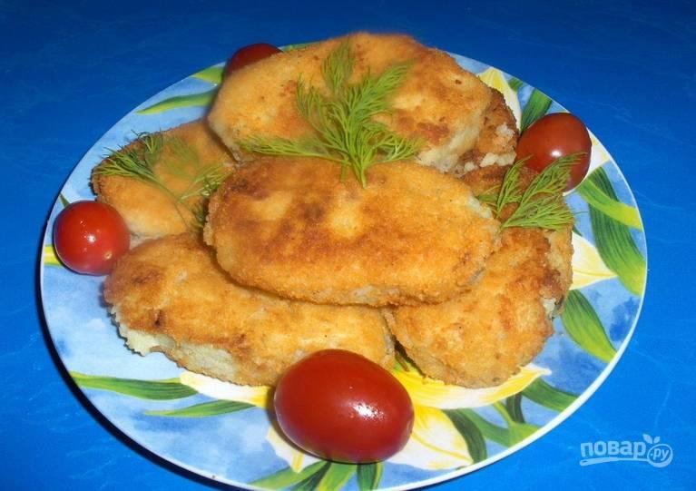 Остается обжарить пирожки до красивого золотистого цвета на растительном масле. Приятного аппетита!