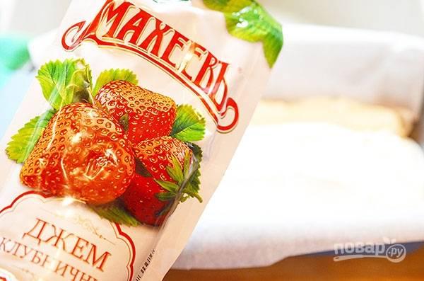 """Для этого десерта я использовала клубничный джем """"Махеевъ"""", который сделан только из натуральных ингредиентов."""