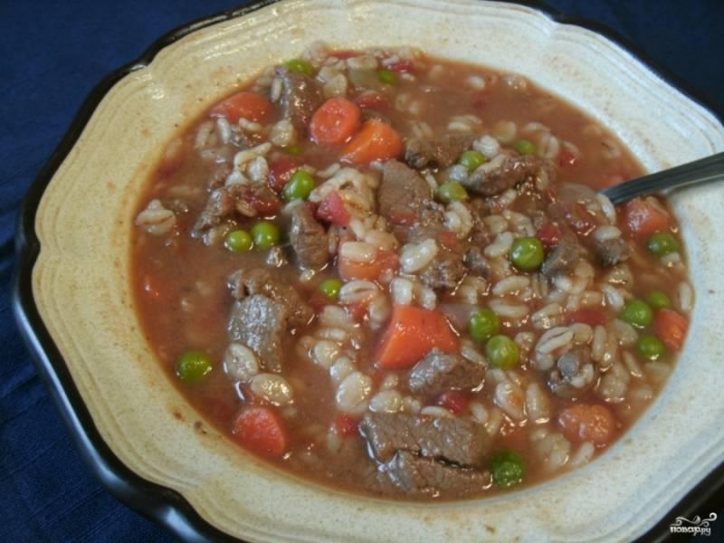Проварите еще пару минут, а затем выключайте. В целом, за час с небольшим у нас получился очень ароматный и наваристый суп из конины. Приятного аппетита!