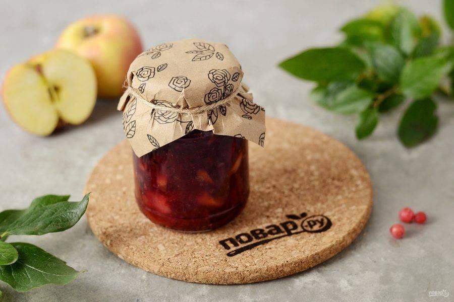 Варенье из красной смородины с яблоками готово, приятного аппетита!