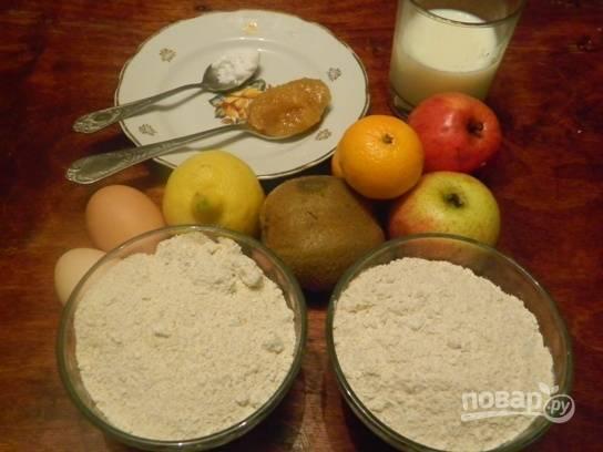 Вот такой набор продуктов нам нужен для приготовления диетических сочней с фруктовой начинкой.
