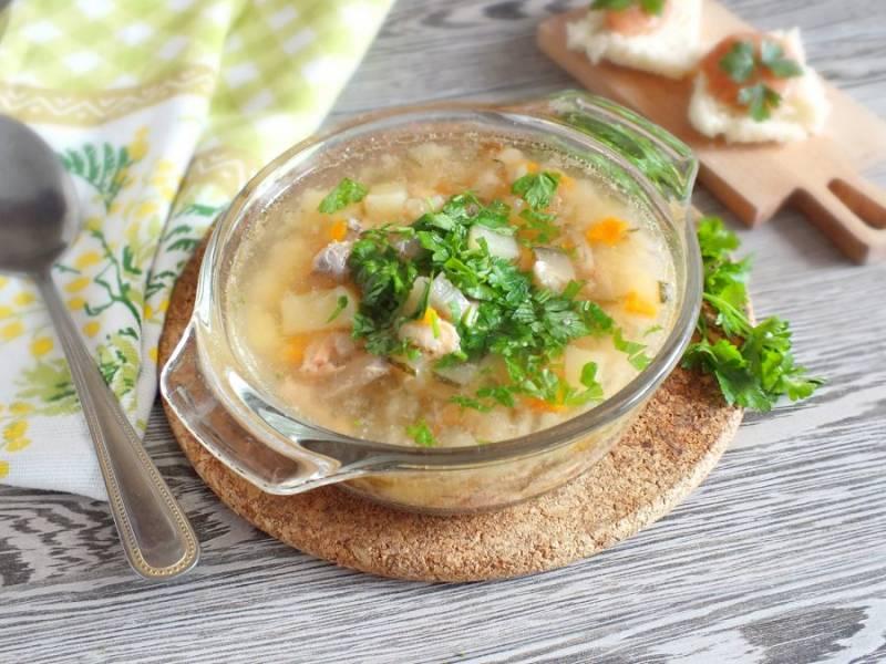"""Рыбный суп """"Калья"""" готов. Приятного аппетита!"""