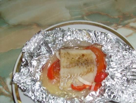 Вот приблизительно так готовый пангасиус в фольге с овощами и выглядит. Приятного аппетита!