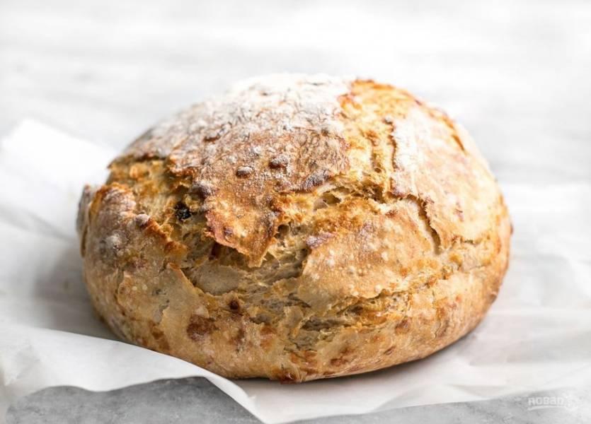8.Готовый хлеб удалите из формы, оставьте на 10-15 минут и наслаждайтесь.