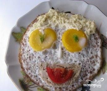 Яичница с гречкой
