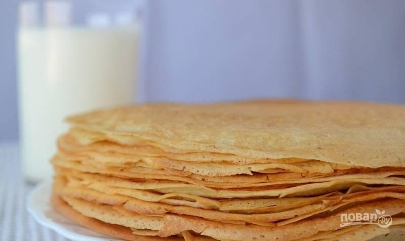 6.Выложите блины в тарелку и наслаждайтесь вкусной, тонкой выпечкой.