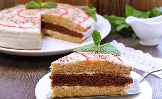 """Через 6 часов """"Сметанник"""" можно пробовать. Украсьте торт по вашему желанию. Приятного чаепития!"""
