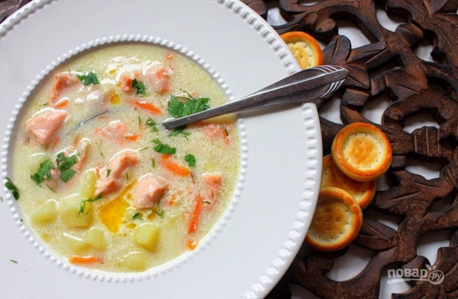 Готовый суп украшаем зеленью. Приятного аппетита!