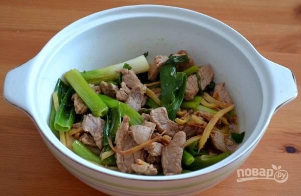 Мясо с имбирем и зеленым луком