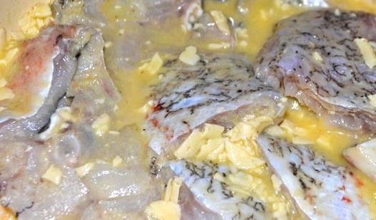4. Замачиваем рыбу в таком маринаде на час.