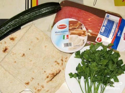 1. На самом деле приготовление этих роллов простое, и времени на приготовление вкусной закуски понадобится всего 30 минут.