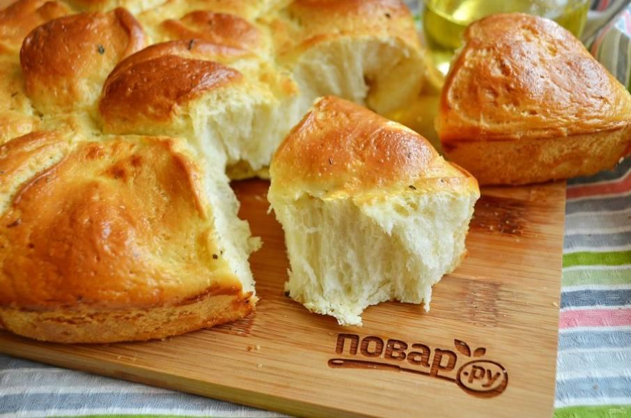 9. Отламывайте кусочки и наслаждайтесь, хлебушек очень мягкий и вкусный!