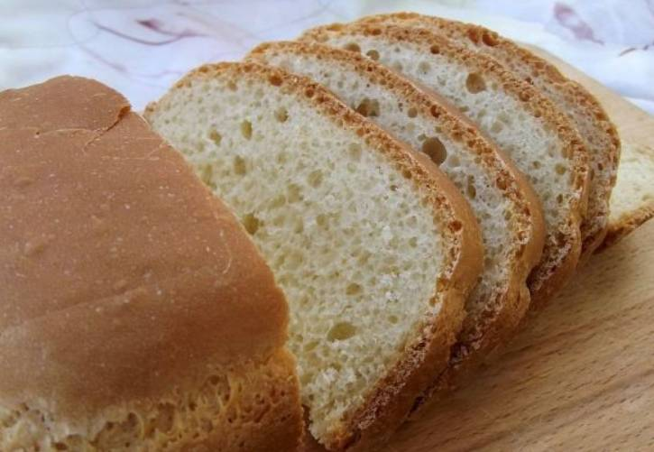 """Закрываем крышку и устанавливаем режим """"Обычный хлеб"""" со средней корочкой. Вес 900 грамм. Через 3 часа вас ждет прекрасный и ароматный рисовый хлеб! Приятного аппетита!"""