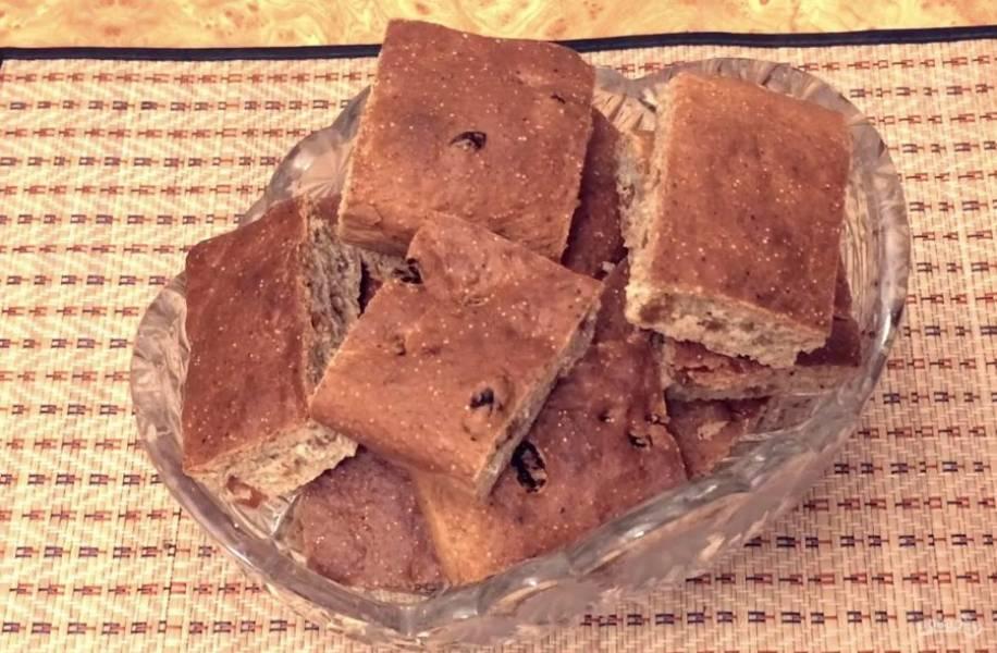 Выпекайте в разогретой до 175 градусов духовке 1 час. Полностью остудите пирог. Приятного аппетита!