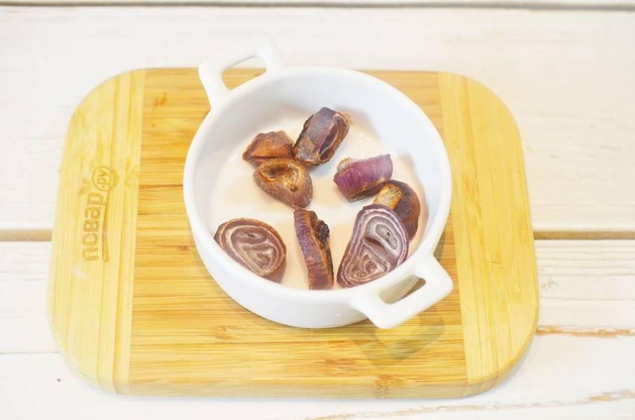 2. Запеките в духовке при 180 градусах до мягкости.