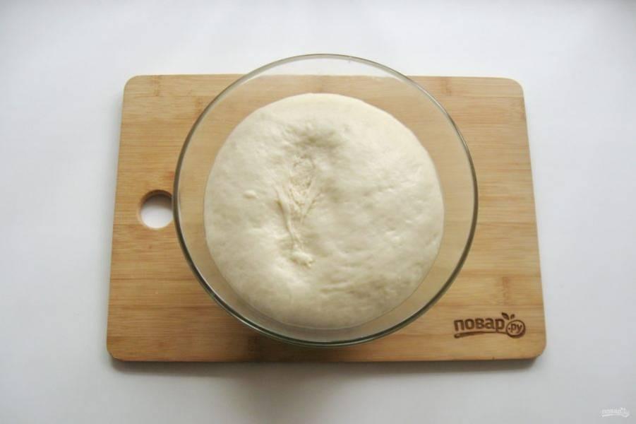 Через час-полтора тесто увеличится в объеме.