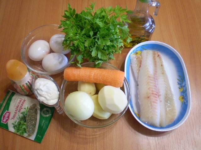 1. Приготовим овощи и рыбу. Для запеканок лучше всего использовать уже готовое филе рыбы. Овощи очищаем, рыбу размораживаем.