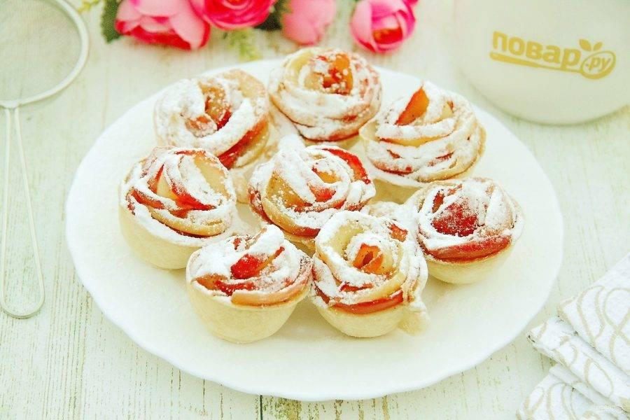 8. Яблочные тарталетки готовы. Нежный, сочный и ароматный десерт из яблок с корицей понравится всем. Приятного аппетита!