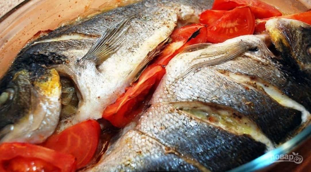 4. Запекаем рыбу полчаса при 200 градусах.