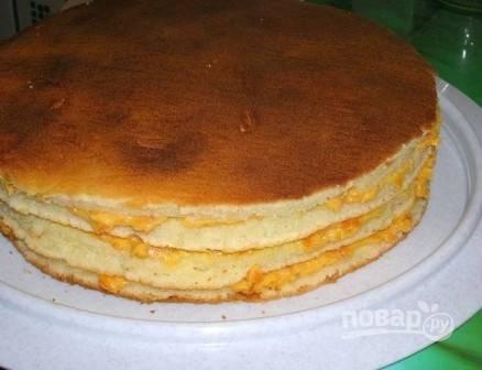 Верх торта кремом не покрываем.
