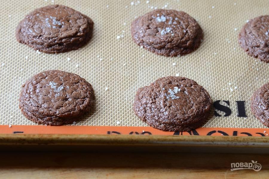 4. Выпекайте печенье в духовке 8-10 минут. Приятного чаепития!