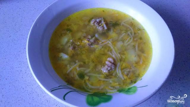 Суп с фрикадельками с лапшой