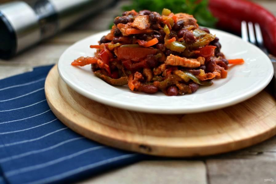 Свинина с овощами и красной фасолью