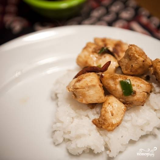 14. Курица в соусе по-китайски готова! Подавайте с рисом. Приятного аппетита!