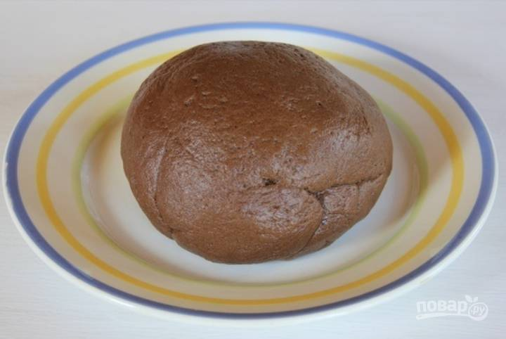 Формируем из полученной массы большой шар и кладем его в холодильник на 1 час.