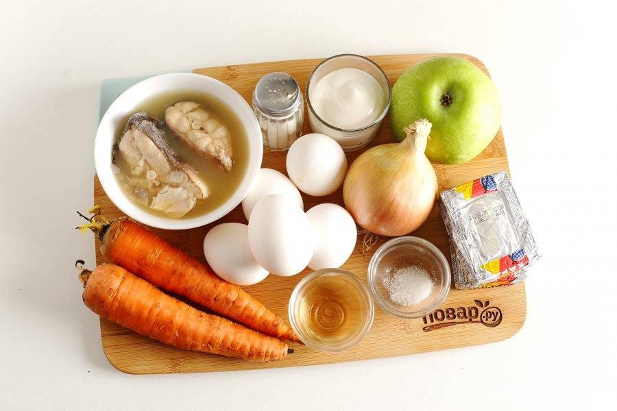 Подготовьте все ингредиенты. Яйца отварите заранее и остудите.