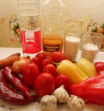 1. Лето - то время, когда готовить аджику на зиму самое время. По этому рецепту получается до 7 литров готовой аджики.