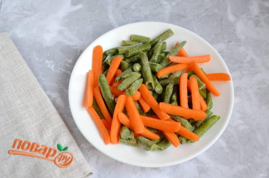 1. У меня замороженные овощи, размораживать их не нужно.