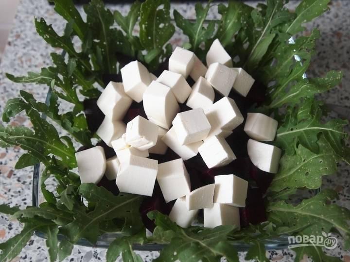 6.Добавляю сыр к остальным ингредиентам.