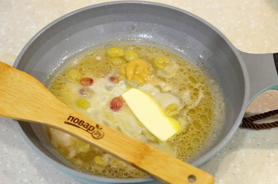 6. Добавьте масло и горчицу, доведите до кипения.