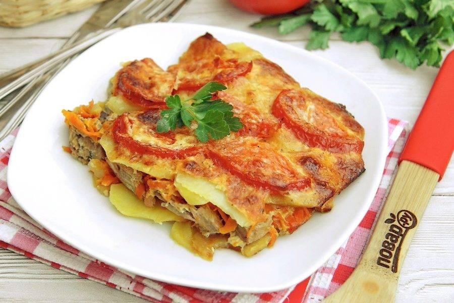 Тунец с картошкой в духовке готов. Приятного аппетита!